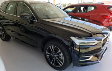 Volvo XC60 2.0 T8 Hybrid Momentum AWD Geartronic - Foto #4