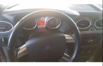 Ford Focus Hatch S 1.6 16V TiVCT - Foto #4