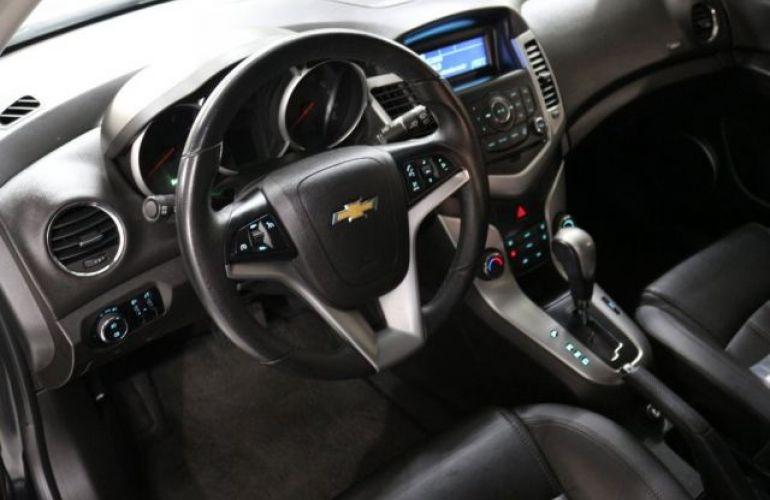 Chevrolet Cruze Sport6 LT 1.8 Ecotec 6 16V - Foto #9