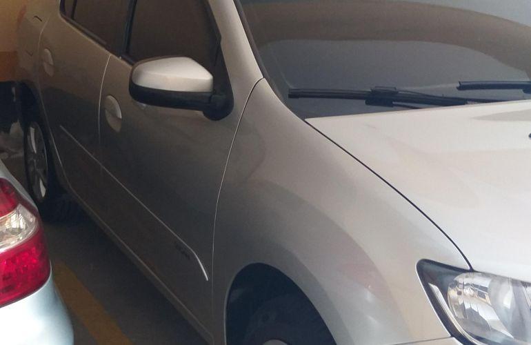 Renault Logan Authentique 1.0 12V SCe (Flex) - Foto #3