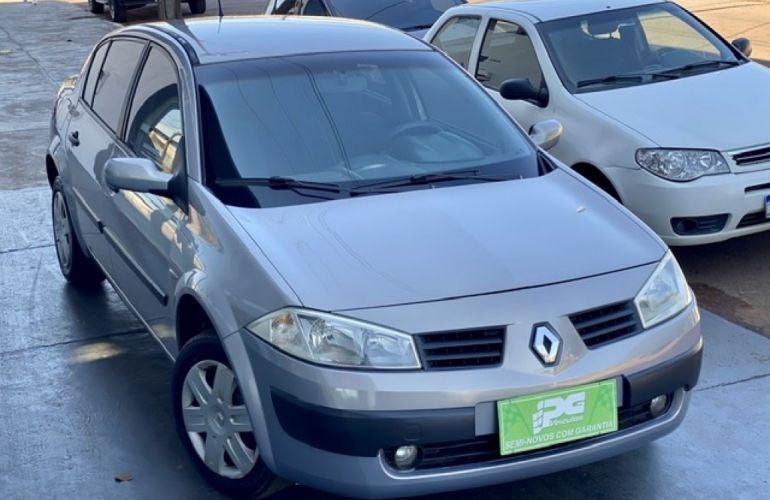Renault Mégane Sedan Expression 1.6 16V (flex) - Foto #1