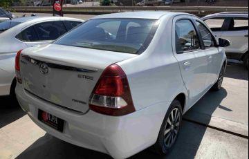 Toyota Etios Sedan Platinum 1.5 (Flex) - Foto #3