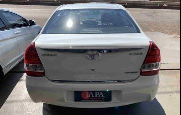 Toyota Etios Sedan Platinum 1.5 (Flex) - Foto #4