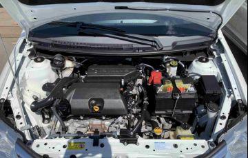 Toyota Etios Sedan Platinum 1.5 (Flex) - Foto #9
