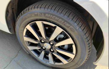 Toyota Etios Sedan Platinum 1.5 (Flex) - Foto #10