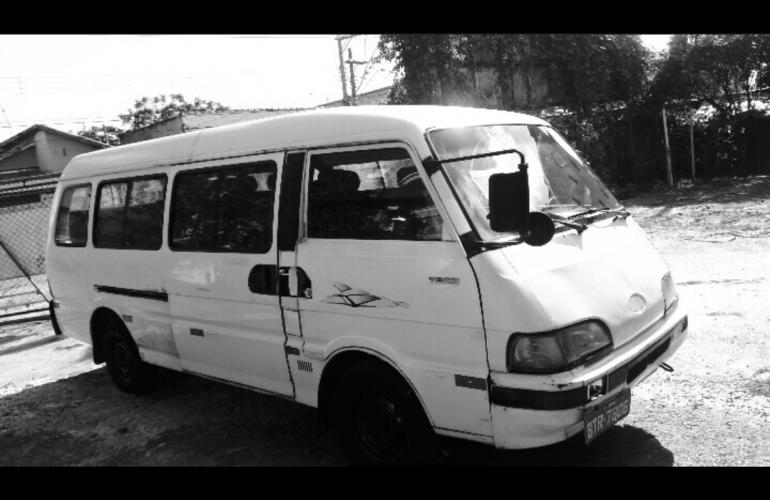 Kia Besta Super Van Est 2.7 - Foto #1