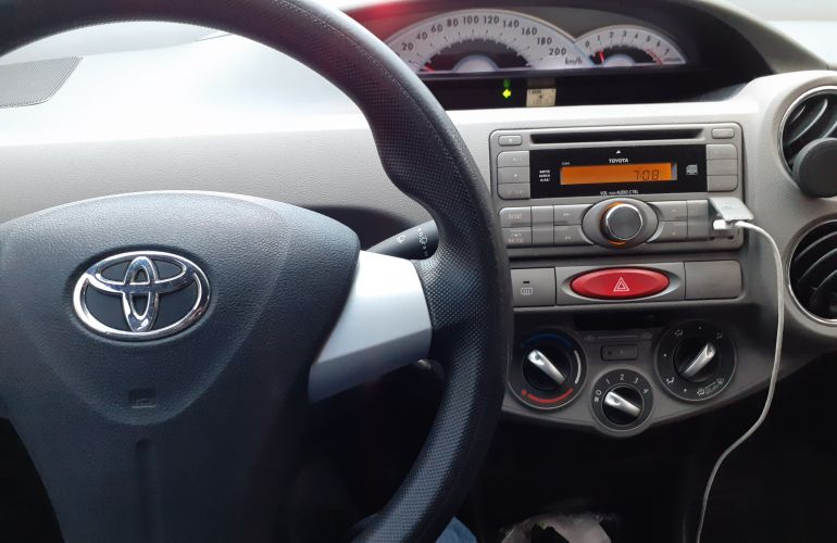 Toyota Etios Sedan XLS 1.5 (Flex) - Foto #5