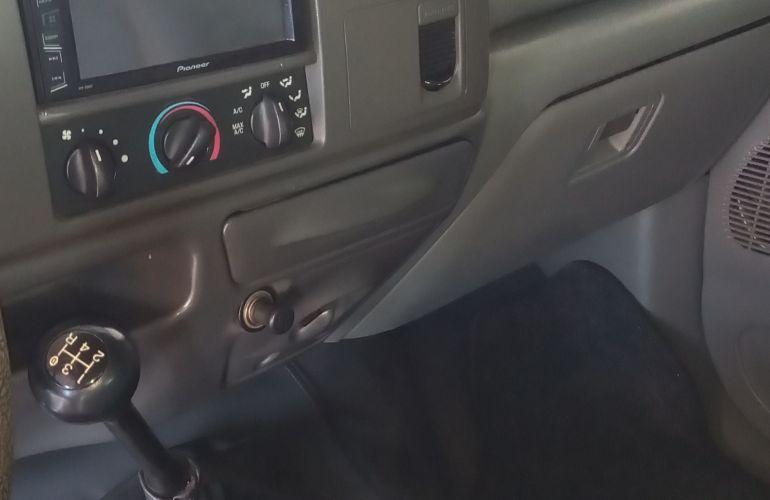 Ford F250 XL 4.2 Turbo (Cab Simples) - Foto #3