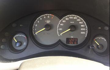 Chevrolet Corsa Sedan Classic 1.0 MPFi - Foto #3