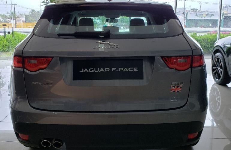 Jaguar F-PACE 2.0 16V Turbo Prestige AWD - Foto #6