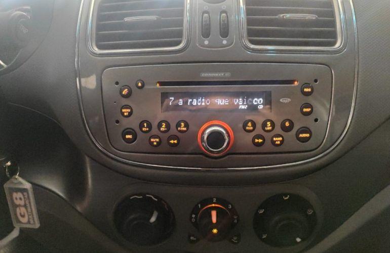 Fiat Grand Siena Essence 1.6 16V Dualogic (Flex) - Foto #10