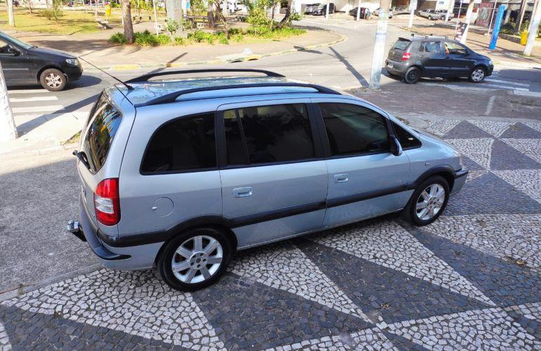 Chevrolet Zafira Elegance 2.0 (Flex) - Foto #10