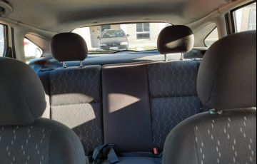 Ford Focus Hatch GLX 1.6 8V - Foto #5