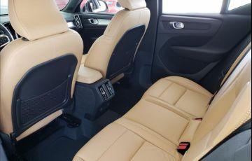 Volvo XC40 2.0 T5 Momentum AWD Geartronic - Foto #5