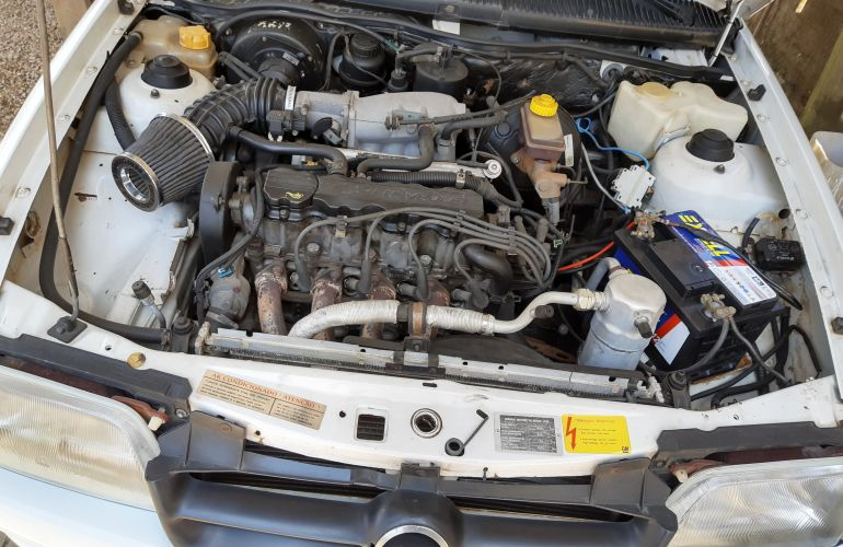 Chevrolet Kadett Hatch Sport 2.0 MPFi - Foto #2