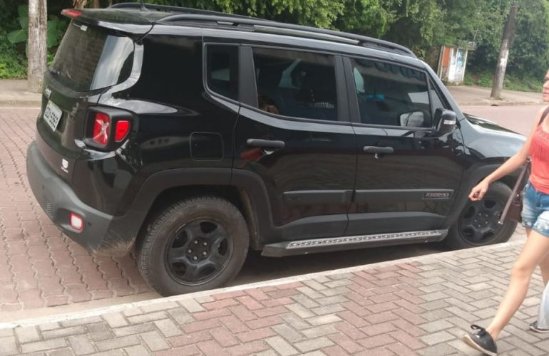 Jeep Renegade 1.8 (Aut) (Flex) - Foto #2