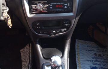 Peugeot 206 Hatch. Feline Automatic 1.6 16V (flex) - Foto #4