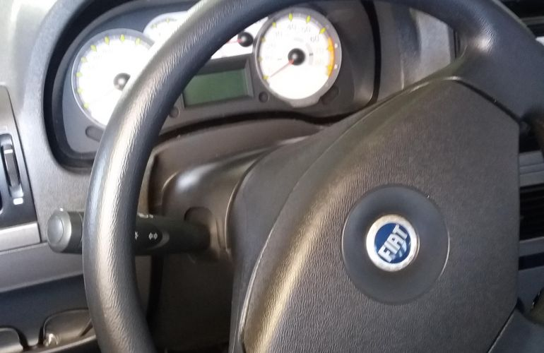 Fiat Idea Adventure 1.8 (Flex) - Foto #2