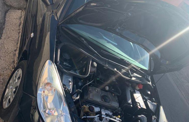 Peugeot 207 Hatch XR 1.4 8V (flex) 2p - Foto #5