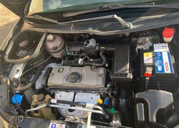Peugeot 207 Hatch XR 1.4 8V (flex) 2p - Foto #6
