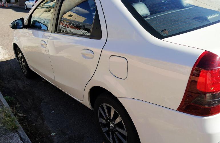Toyota Etios XLS platinum 1.5 (Flex) - Foto #8
