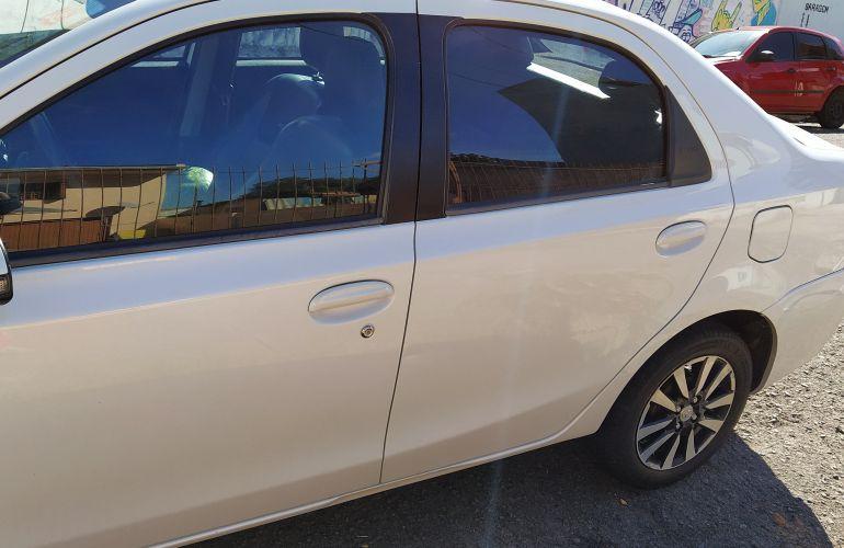 Toyota Etios XLS platinum 1.5 (Flex) - Foto #6
