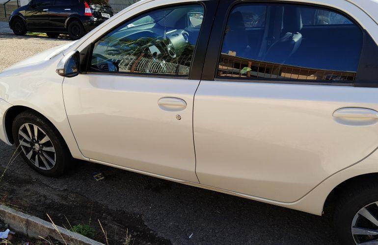 Toyota Etios XLS platinum 1.5 (Flex) - Foto #4