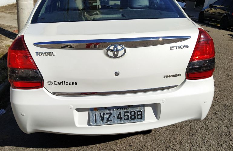 Toyota Etios XLS platinum 1.5 (Flex) - Foto #3