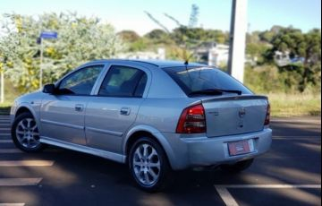Chevrolet Astra Hatch 2.0 (Flex) - Foto #8
