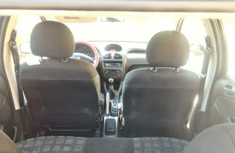Peugeot 206 Hatch. Presence 1.4 8V 2p - Foto #5