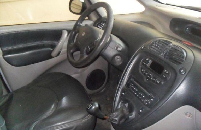 Citroën Xsara Picasso GLX 2.0i 16V - Foto #5