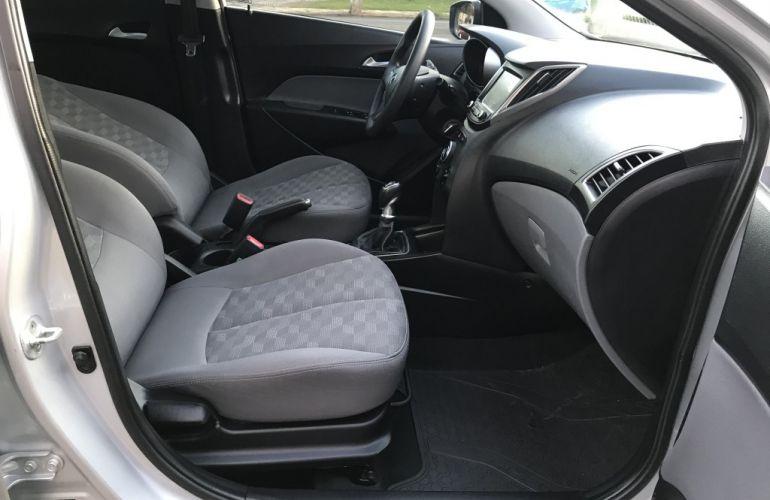 Hyundai HB20S 1.6 Comfort Plus blueMedia - Foto #7
