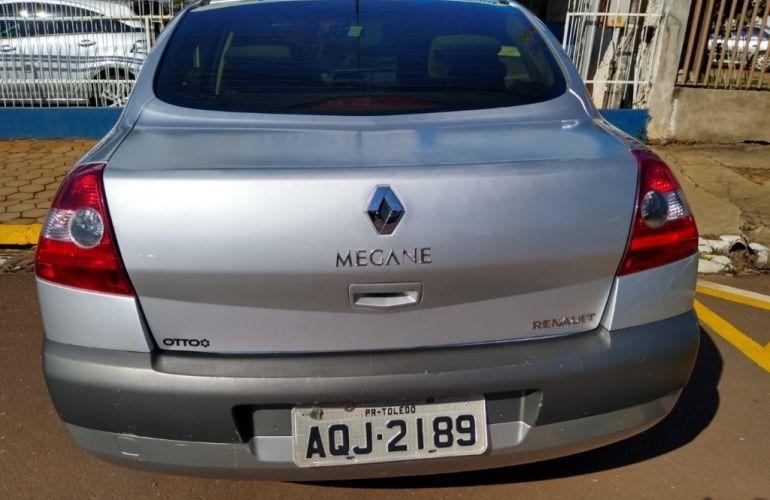 Renault Mégane Sedan Expression 1.6 16V (flex) - Foto #2