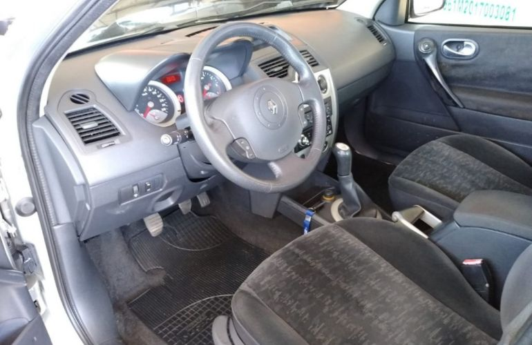 Renault Mégane Sedan Expression 1.6 16V (flex) - Foto #8