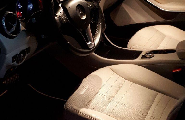 Mercedes-Benz GLA 200 Advance - Foto #8