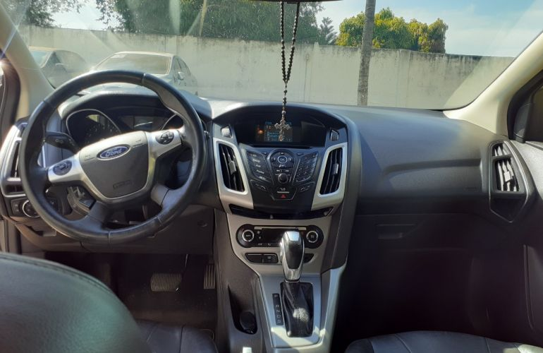 Ford Focus Hatch SE Plus 2.0 16V PowerShift - Foto #2