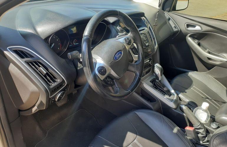 Ford Focus Hatch SE Plus 2.0 16V PowerShift - Foto #5