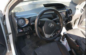 Toyota Etios X 1.3 (Flex) - Foto #7