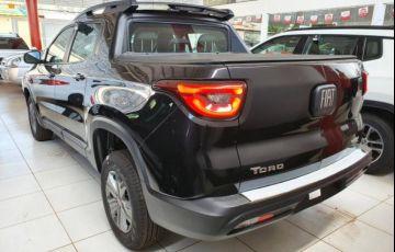 Fiat Toro Freedom 1.8 AT6 4x2 (Flex) - Foto #7