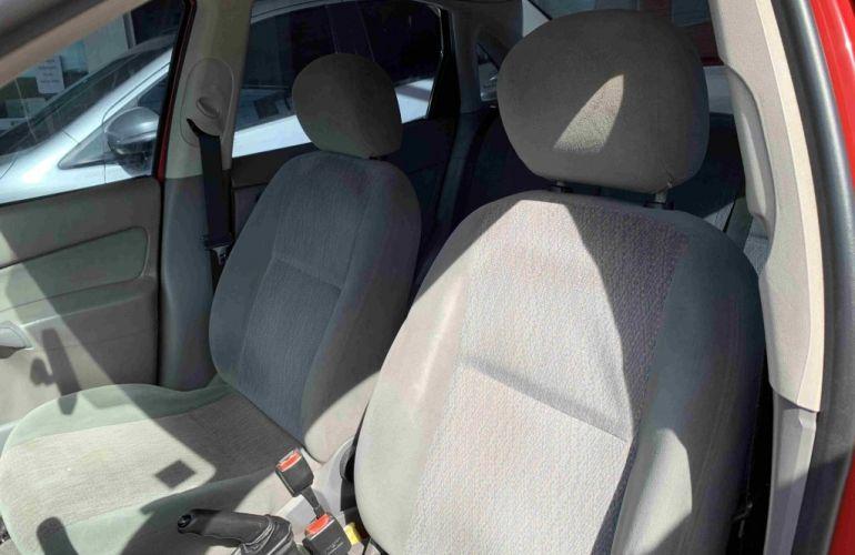 Ford Focus Sedan FC 2.0 16V - Foto #8