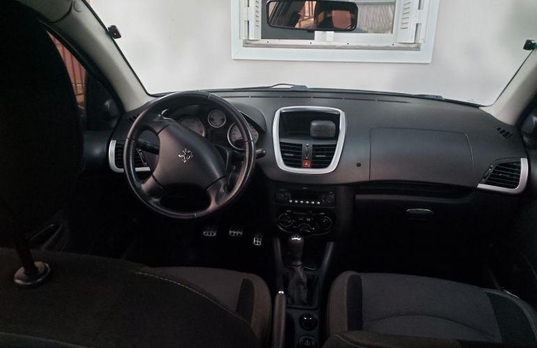 Peugeot 207 Hatch Quiksilver 1.4 8V (flex) (4 p.) - Foto #2