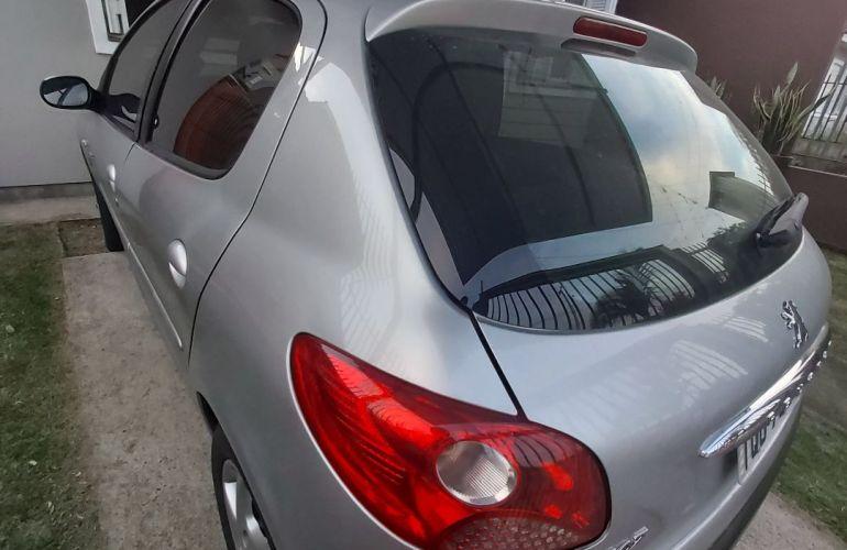 Peugeot 207 Hatch Quiksilver 1.4 8V (flex) (4 p.) - Foto #5