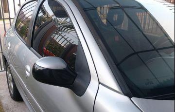 Peugeot 207 Hatch Quiksilver 1.4 8V (flex) (4 p.) - Foto #7