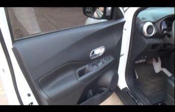 Nissan Kicks 1.6 S CVT (Flex) - Foto #4