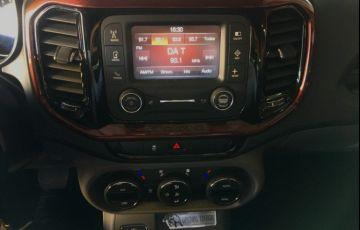 Fiat Toro 2.0 TDi Freedom 4WD (aut) - Foto #10