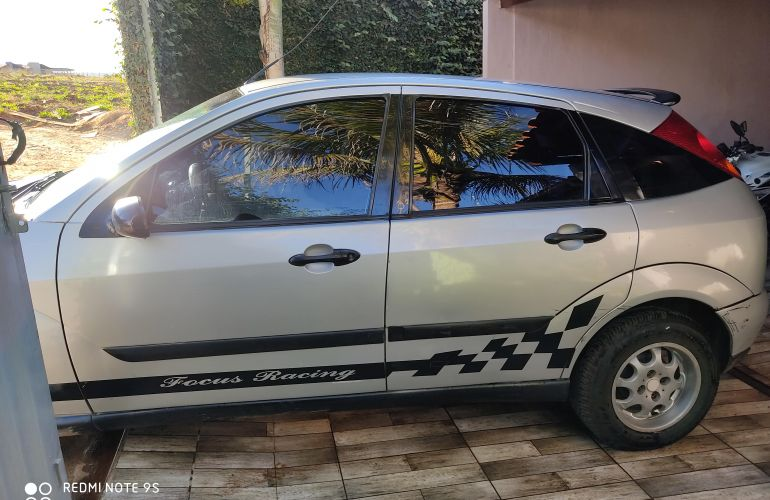 Ford Focus Hatch 1.8 16V - Foto #7