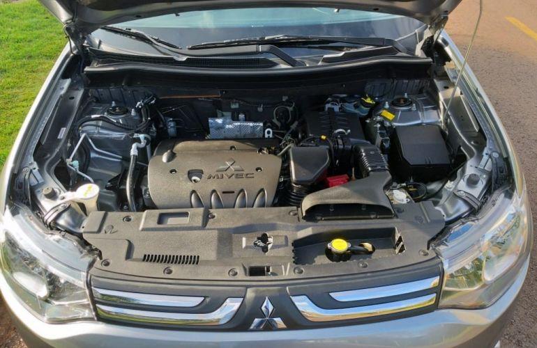 Mitsubishi Outlander 2.0  5L CVT - Foto #2