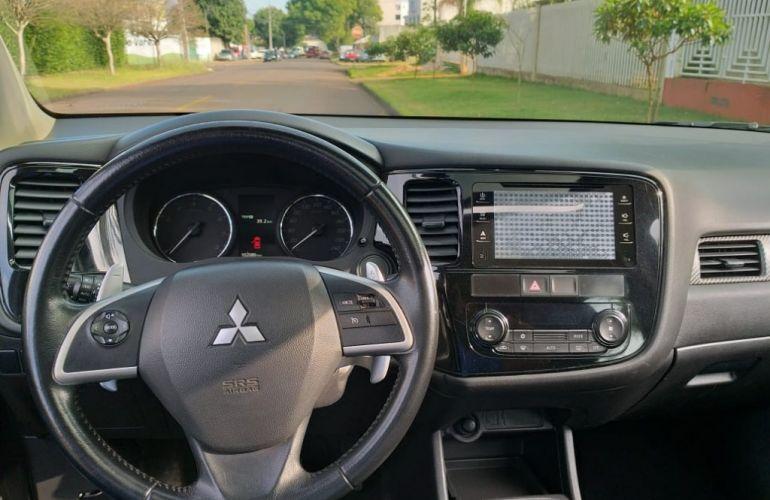 Mitsubishi Outlander 2.0  5L CVT - Foto #9