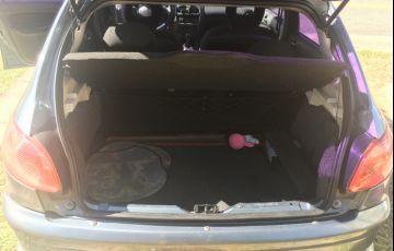Peugeot 206 Hatch. Feline 1.4 8V - Foto #4