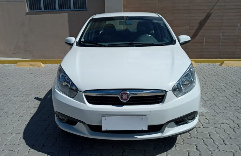Fiat Grand Siena Essence 1.6 16V Dualogic (Flex) - Foto #2